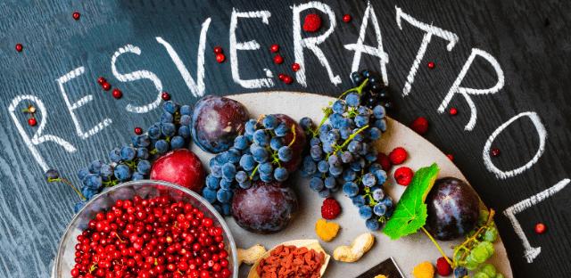 algunos frutos que también contienen resveratrol