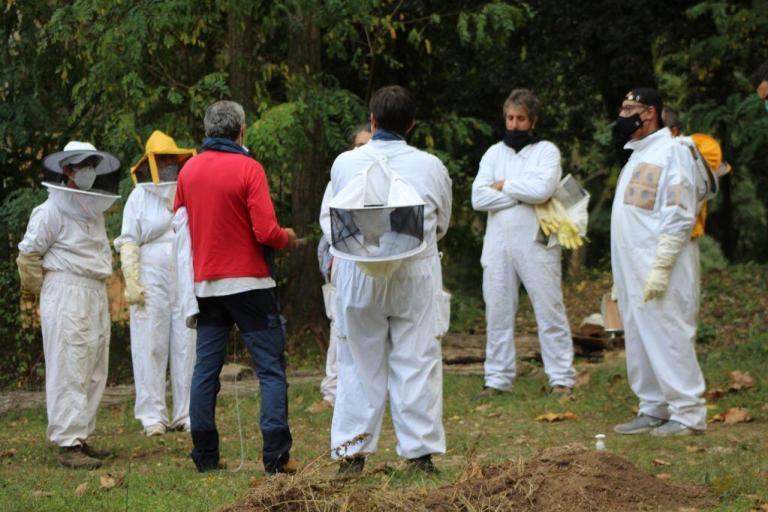 Jesús Manzano formando apicultores